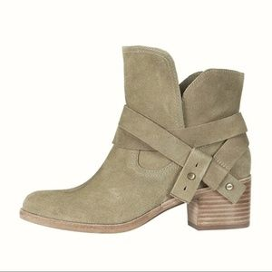 UGG Elora Boots Suede Criss Cross Ankle Booties 9